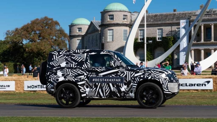 LAND ROVER WOWS GOODWOOD CROWD WITH PROTOTYPE LAND ROVER DEFENDER