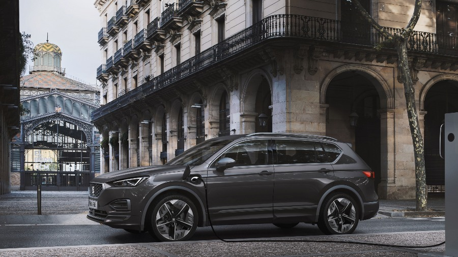 Meet the SEAT Tarraco FR PHEV