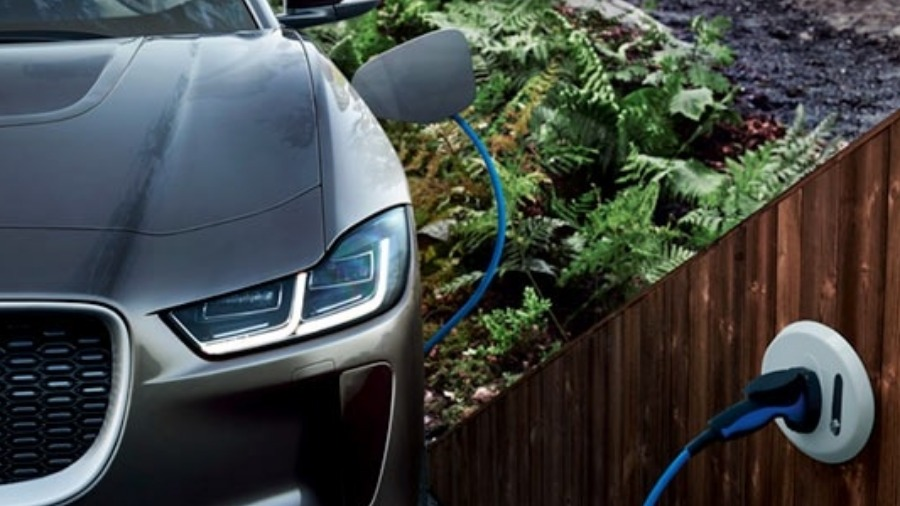 Plugsurfing Puts Jaguar and Land Rover Drivers On The Road To Easier Charging
